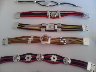 Manualidades caseras faciles pulseras anilos cuero