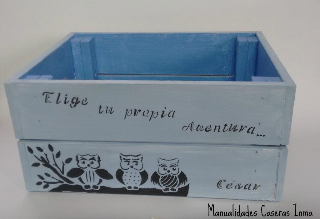 Manualidades Caseras Inma _Caja de madera para cuentos decorado con stencil de buhos y letras