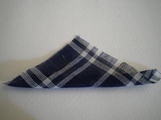 Manualidades Caseras Faciles como poner el pañuelo el Broche en forma de petardo con pañuelo