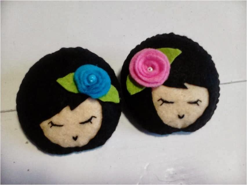 Manualidades caseras Inma broche muñecas pequeñas de fieltro morenas