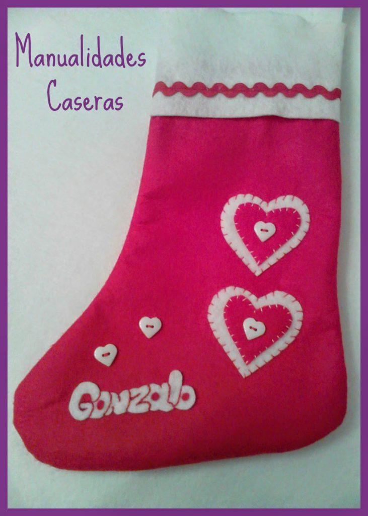 Manualidades Caseras faciles Bota de Navidad personalizada de corazones