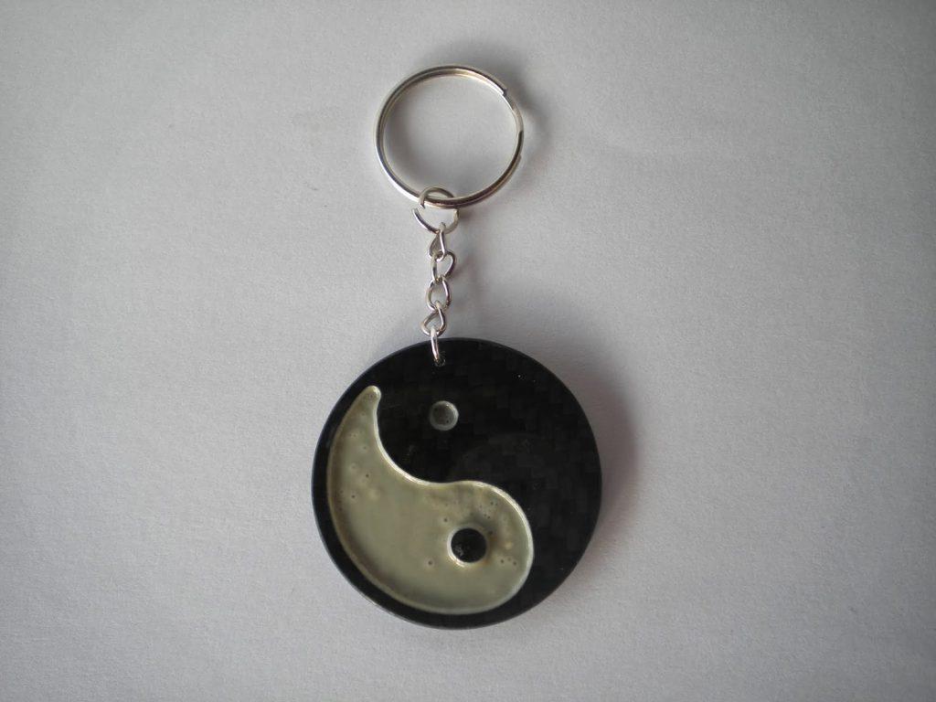 manualidades caseras faciles el yin y el yang en fibra de carbono