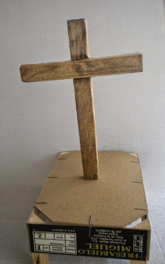 Manualidades Caseras Inma cruz de mayo de madera