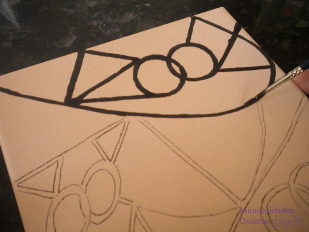 Manualidades Caseras Faciles Como pintar el dibujo en el azulejo con el pincel y el oxido