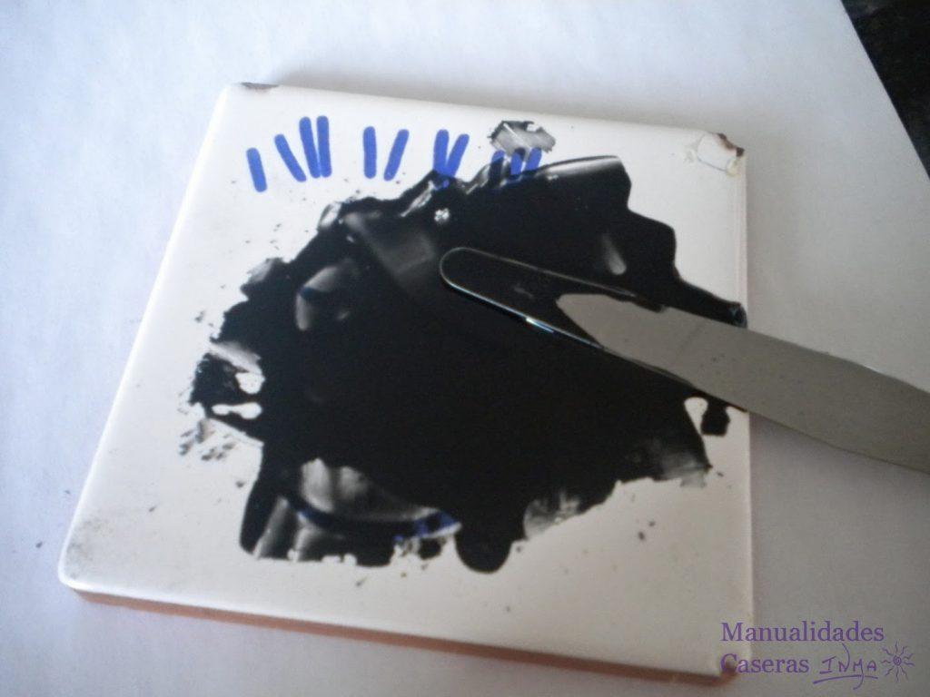 Manualidades Caseras Faciles Como hacer la cuerda seca aceite y oxido negro con espatula