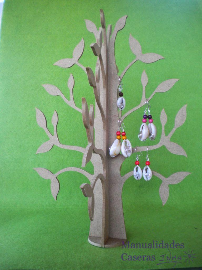 Mualidades Caseras Faciles pendientes Conchas y bolas de colores