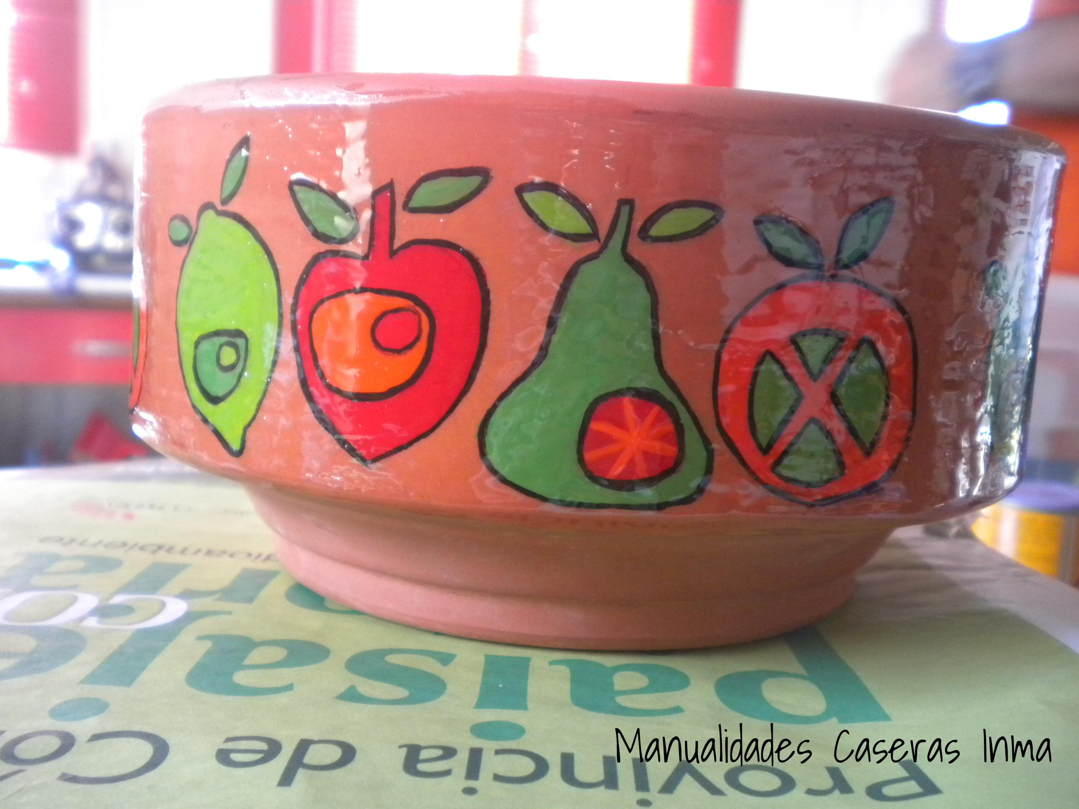 Manualidades Caseras Inma Maceta de Cerámica decorada con Frutas perfiladas y esmaltadas