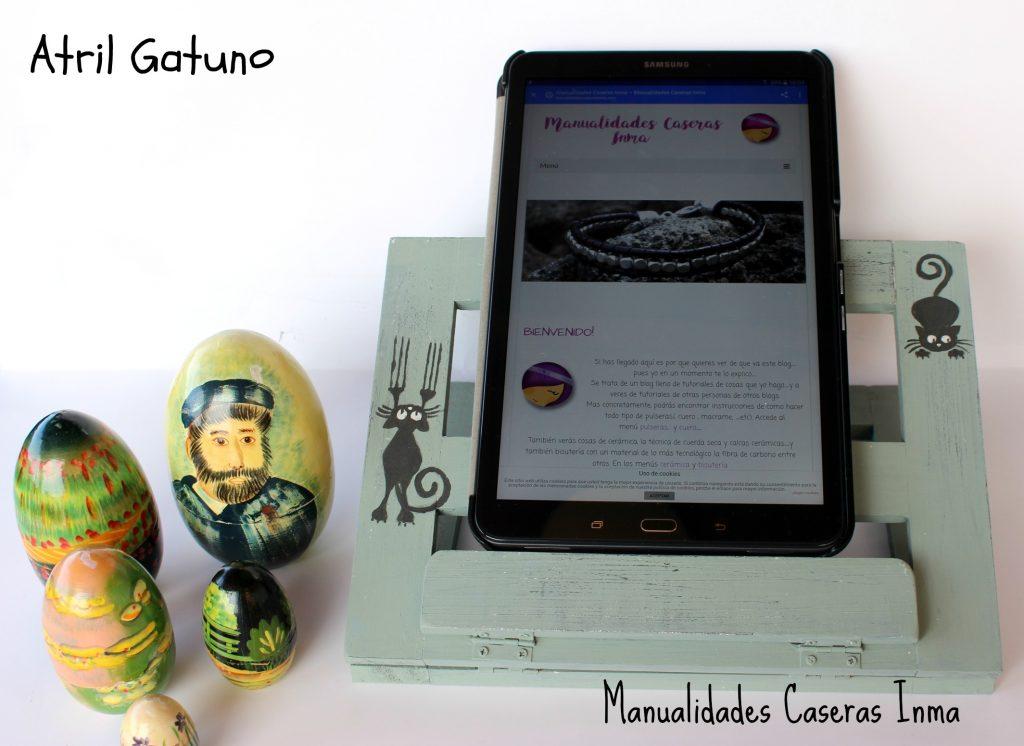 Manualidades Caseras Inma Atril gatuno para tablet