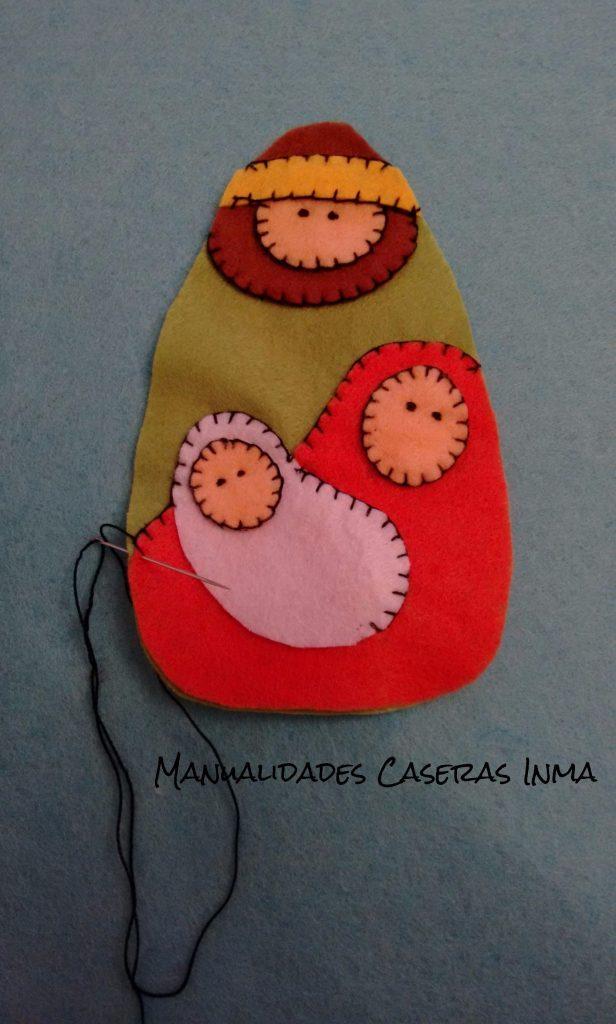 Manualidades Caseras Inma_ Bolsa Navideña_ detalle de como coser los adornos