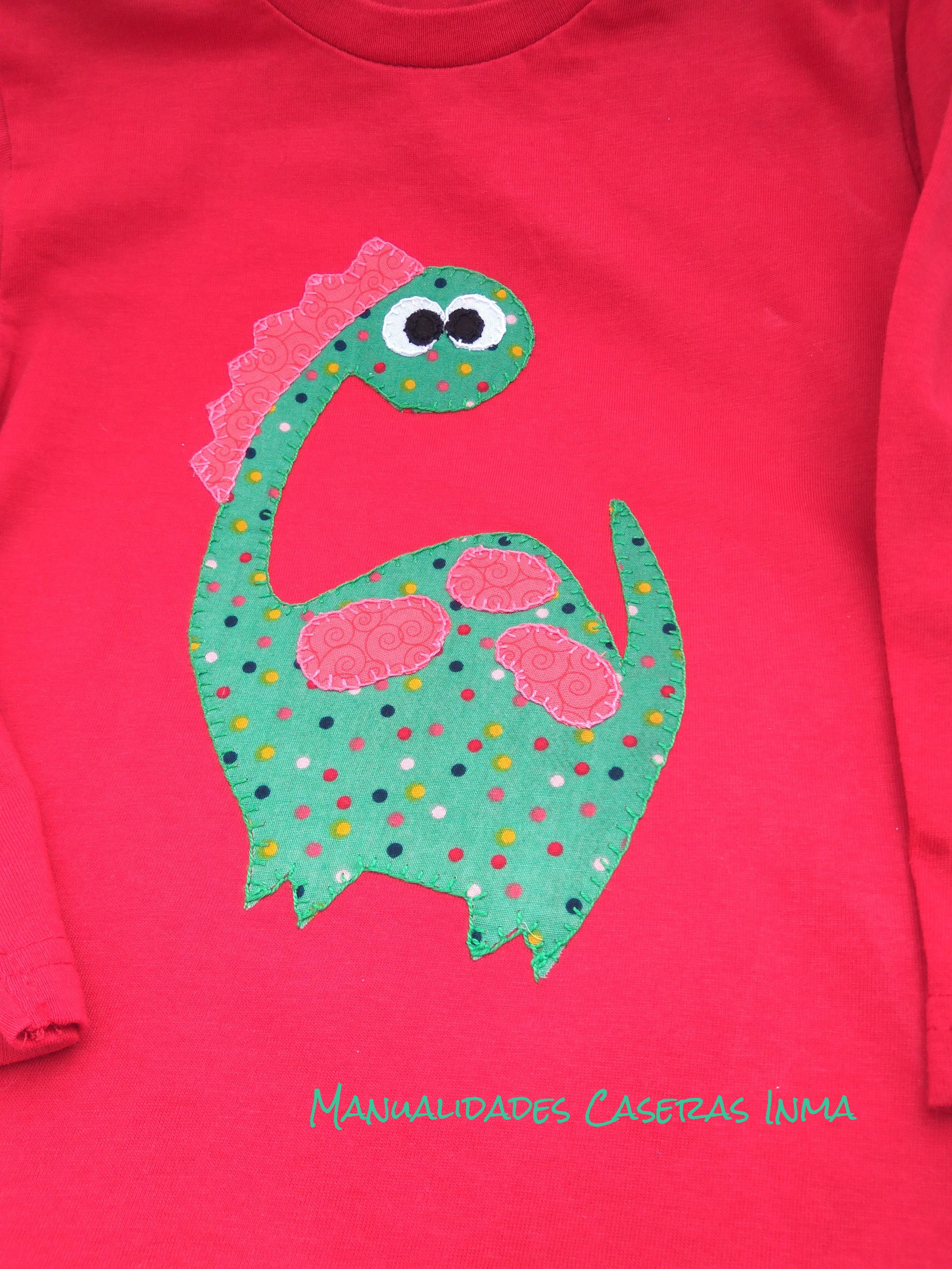 Manualidades Caseras Inma _Camiseta dinosario_ Detalle