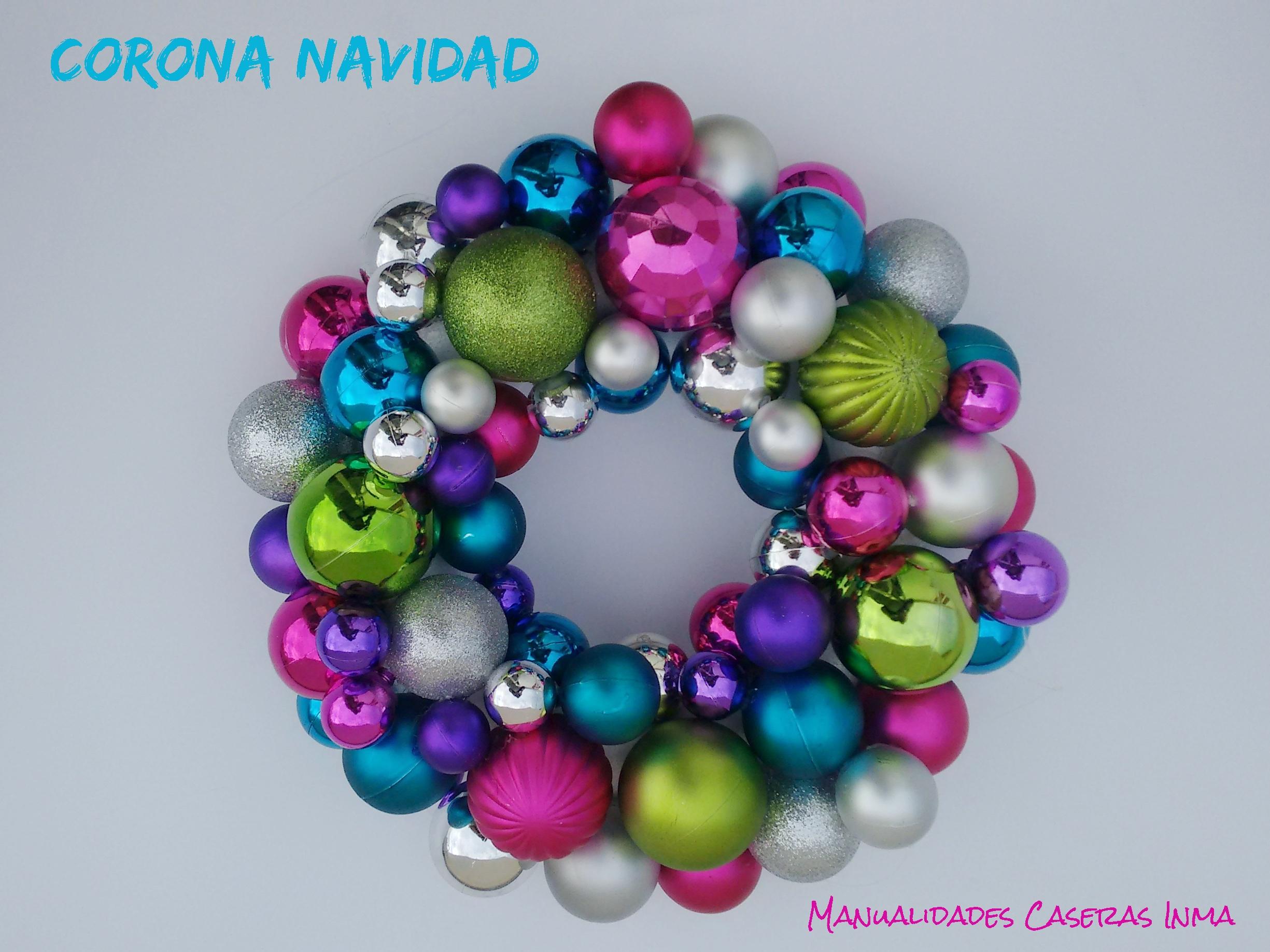 Manualidades Caseras Inma_corona de bolas navideñas