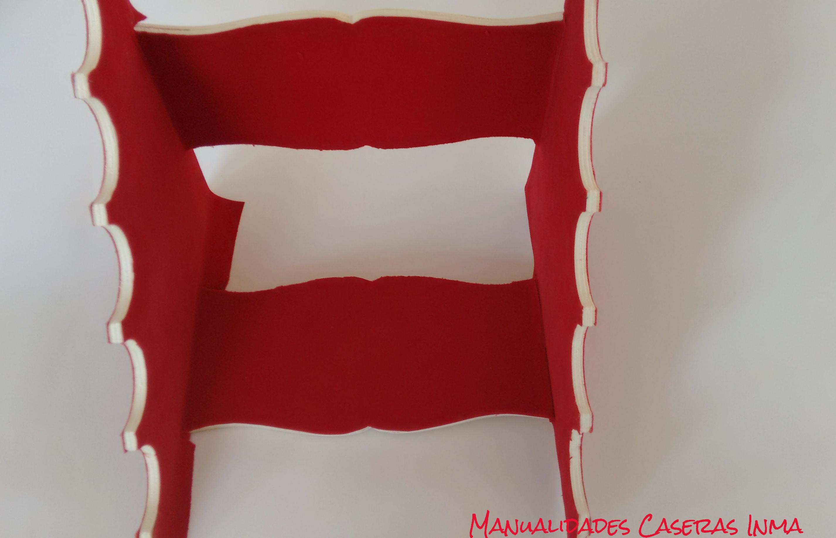 Manualidades Caseras Inma_ Organizador porta pulseras como pegar el adhesivo de terciopelo rojo