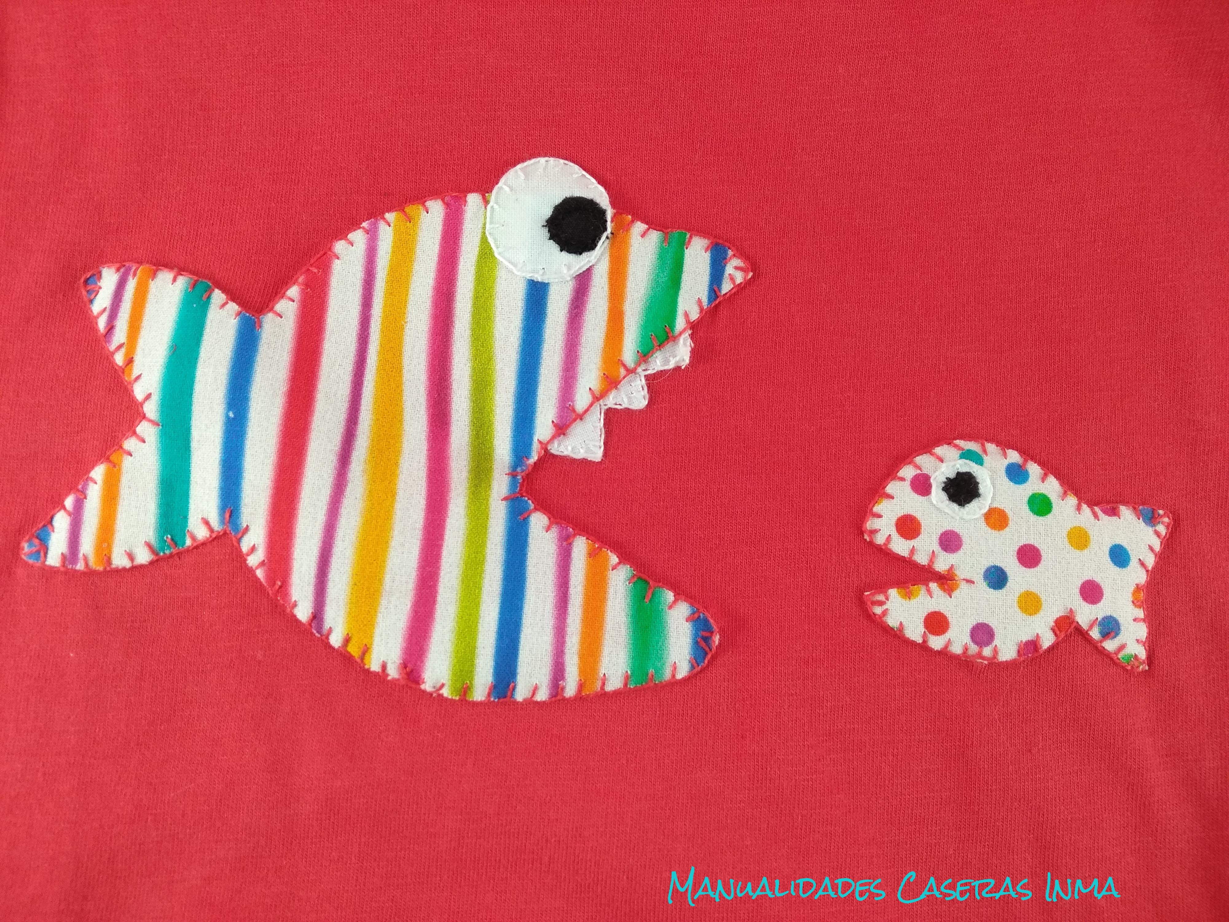 Manualidades Caseras Inma_ Detalle camiseta de peces a rayas y puntos