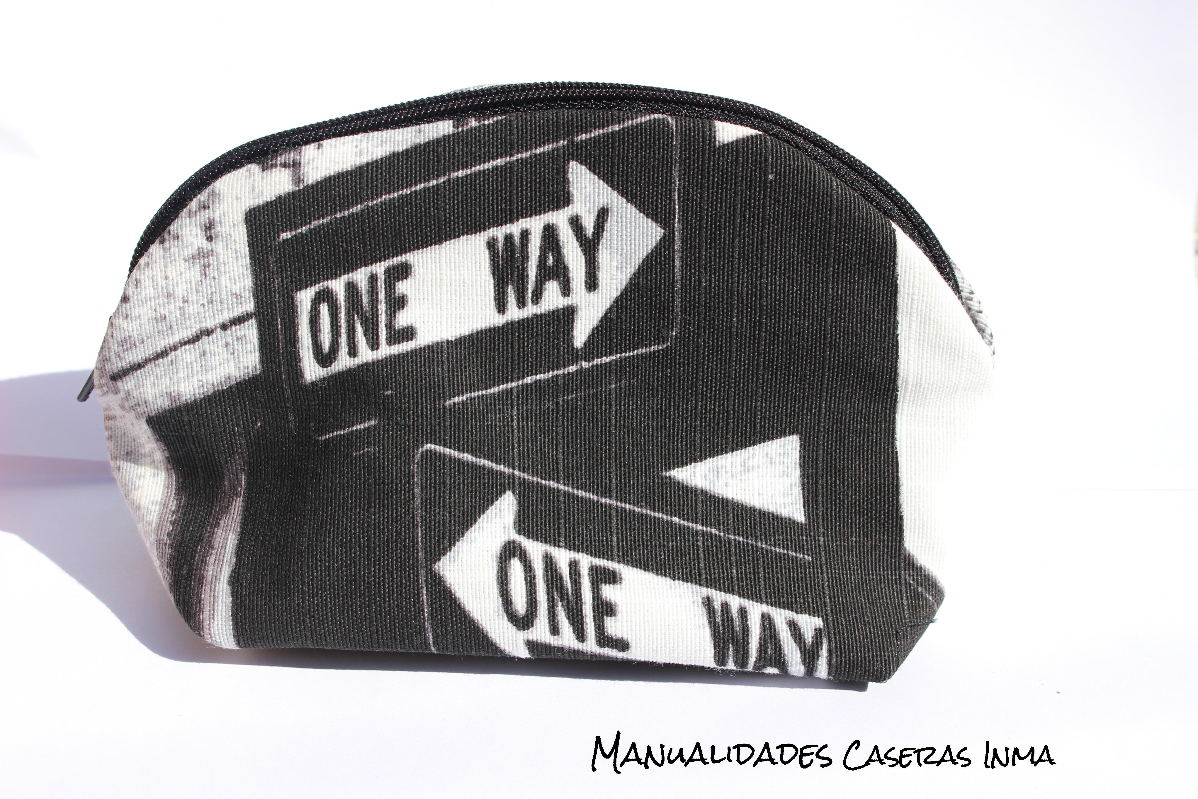 Manualidades Caseras Inma_Neceser New York en tonos negros y grises