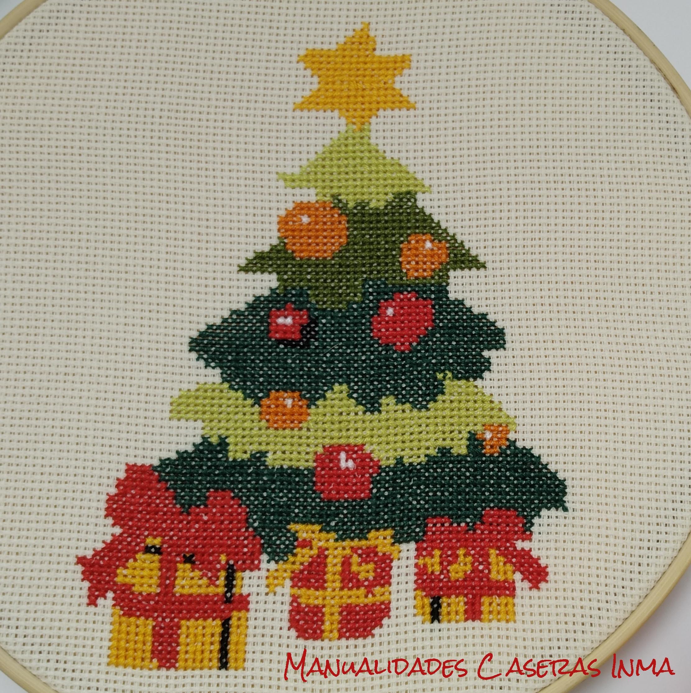 Manualidades Caseras Inma_ Bastidor navidad de arbol de navidad detalle del bordado